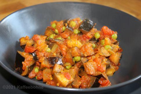 Auberginen-Erbsen-Curry